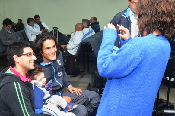 Las imágenes del viaje de la selección uruguaya a Santiago. Foto: Francisco Flores.