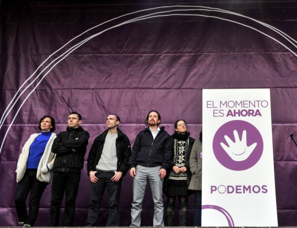 Dirigentes de Podemos ante su convocatoria. Foto: AFP.