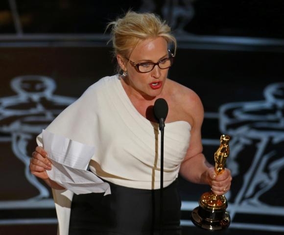 """Patricia Arquette tras ganar   por su papel en """"Boyhood"""". Foto: Reuters"""