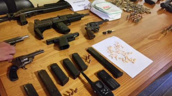 Armas incautadas por la Policía en Cerro Norte. Foto: Unicom