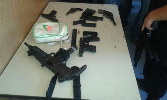 Armas incautadas por la Policía en Cerro Norte. Foto: Ministerio del Interior.