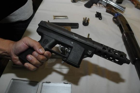Armas incautadas por la Policía en operativo en Cerro Norte. Foto: Ariel Colmegna