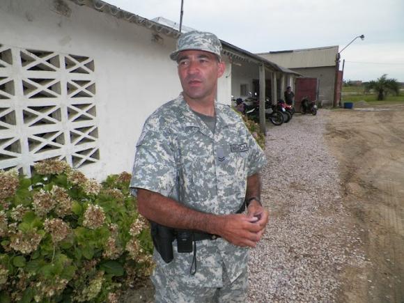 Sargento Rubén Acosta de la Guardia Republicana en Valizas y Aguas Dulces. Foto: Eduardo González.
