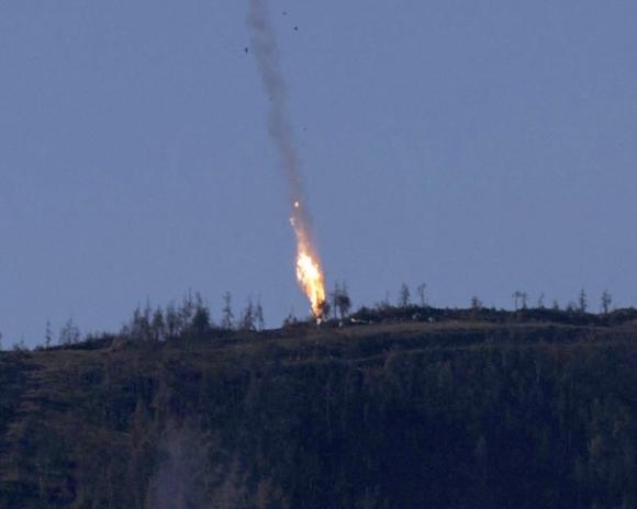 Turquía derribó un avión militar ruso. Foto: EFE