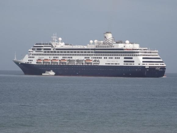 El primer crucero de la temporada llegó a Punta del Este de imprevisto. Foto: Ricardo Figueredo
