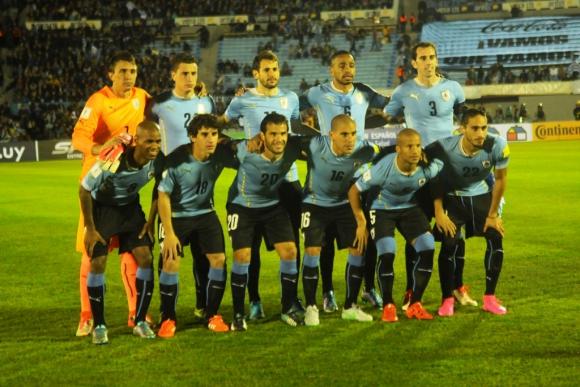 Formación de Uruguay vs. Colombia. Foto: F. Flores