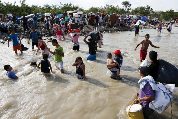 Venezuela deportó a unos 1.100 colombianos pero hay 2.000 huyendo. Foto: Reuters.