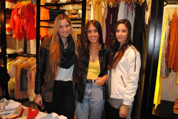 Lucie Beare, Antonella De Giuda, Mariana de la Fuente.