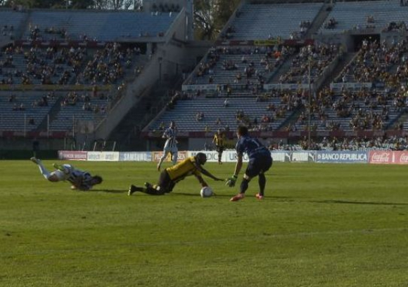 Falta a Zalayeta Peñarol WanderersFoto:A Colmegna