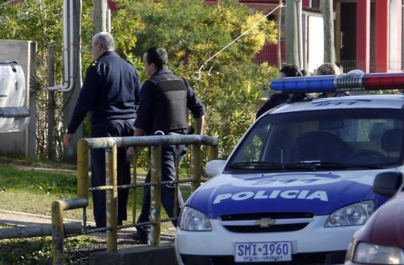 Resultado de imagen para policia uruguay