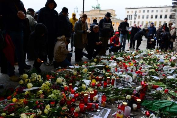 Multitudinaria marcha en Francia tras los actos terroristas. Foto: AFP