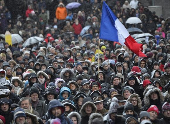 Multitudinaria marcha en Francia por la paz. Foto: Reuters