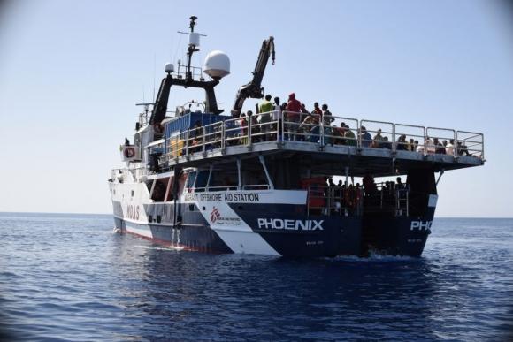 Localización, rescate y asistencia médica de las personas en riesgo de naufragio en el Mediterráneo. Foto: Médicos Sin Fronteras