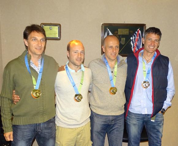 El cuerpo técnico de Coito fue premiado con una réplica del oro de los Panamericanos.