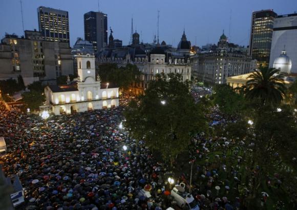 Marcha del silencio en homenaje a Nisman. Foto: AFP