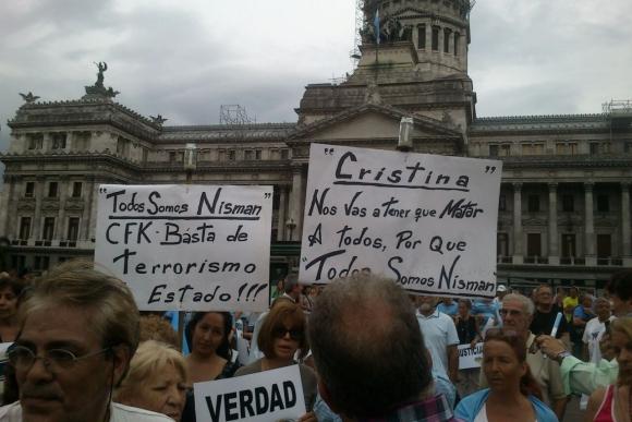 Marcha del silencio en homenaje a Nisman. Foto: Victoria Molnar