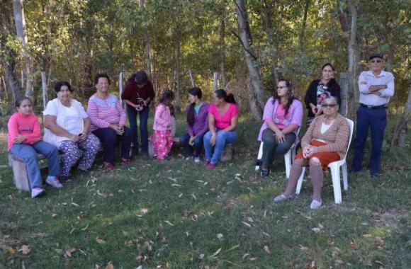 Una reunión de vecinos del pueblo. Foto: D.Rojas.