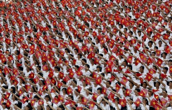 Celebración en Vietnam por el cuadragésimo aniversario de la caída de Saigón en  Ho Chi Minh. Foto: Reuters.