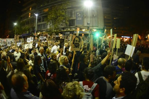 Miles en la vigésima Marcha del Silencio en 18 de Julio. Foto: Gerardo Pérez