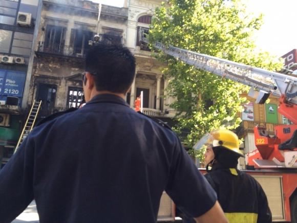 Incendio zapatería Foto: El País