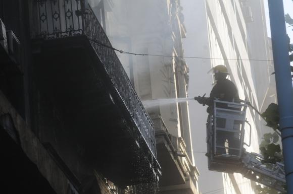 Incendio en 18 de julio. Foto: Francisco Flores
