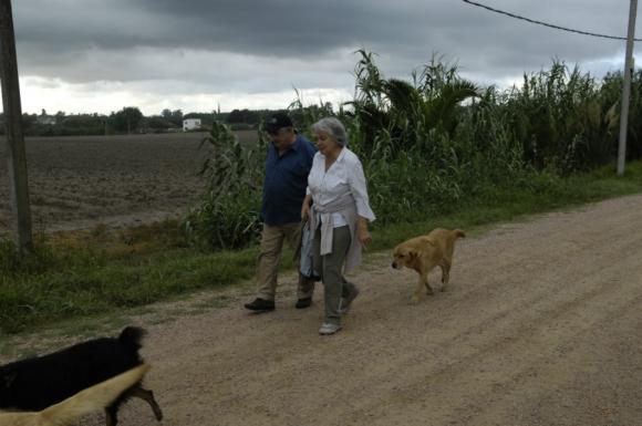 José Mujica y Lucía Topolansky en Rincón del Cerro. Foto: Archivo El País