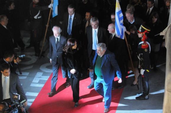Cristina Kirchner, Mujica y Juan Carlos López Mena. Foto: Archivo El País