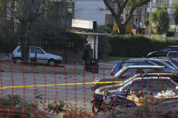Artefacto sospechoso en Embajada de Israel. Foto: Ariel Colmegna