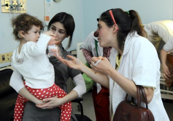 Carmela también disfruta de los payasos. Foto: Darwin Borrelli