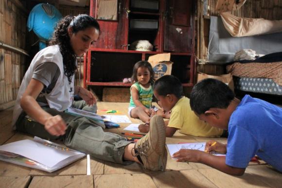 Laura Magallanes estuvo en un proyecto con niños en Ecuador. Foto: América Solidaria.