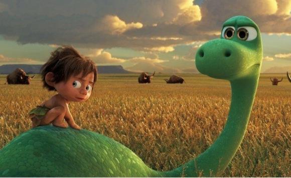 Un niño salvaje y un dinosaurio comparten una aventura muy particular.