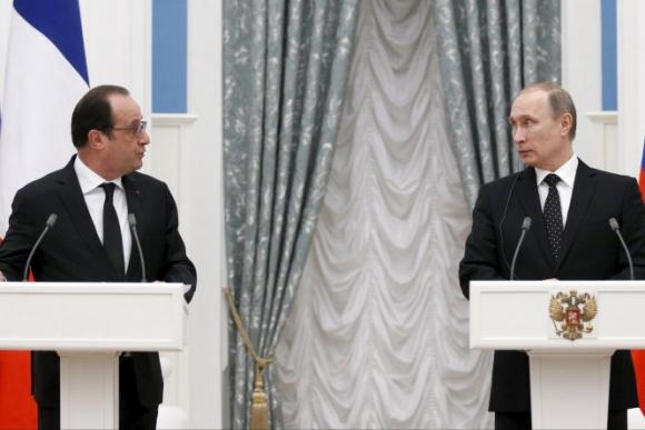 Francois Hollande y Vladimir Putin se reunieron en Moscú. Foto: Reuters.