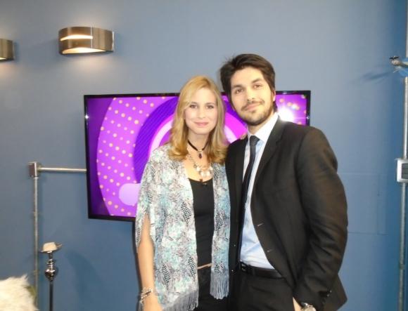 Natalie Yoffe y Andrés Ojeda en Tv Show.