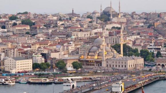 La inestabilidad política de Estambul no ha desanimado a los turistas. Los barrios se han ido llenando de nuevos hoteles (como The Vault Hotel y Soho House) para cubrir la creciente demanda. Foto: Wikicommons