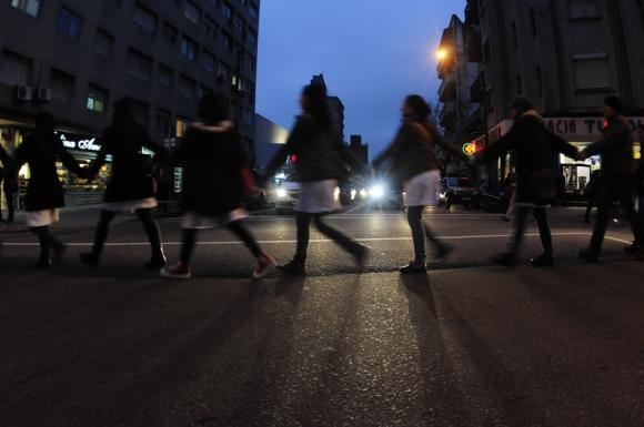 Maestros marcharon por la principal avenida. Foto: Fernando Ponzetto.