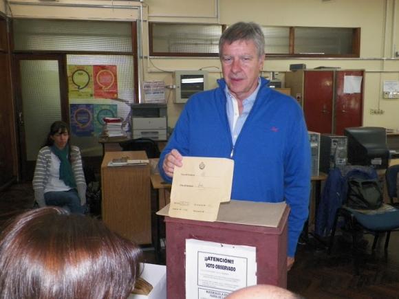 El candidato nacionalista a la Intendencia de Rocha Carlos Tarabochia. Foto: Eduardo González