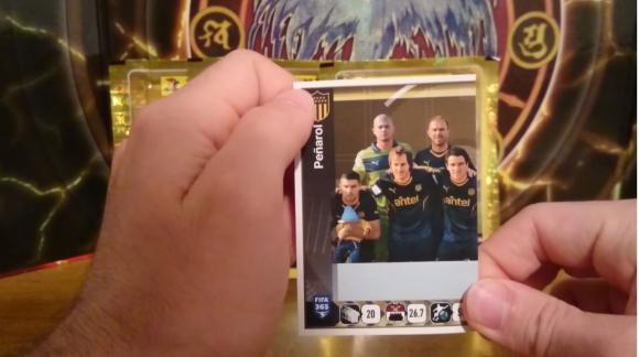 La mitad de la alineación de Peñarol en el Álbum Panini FIFA 365. Foto: captura video Youtube