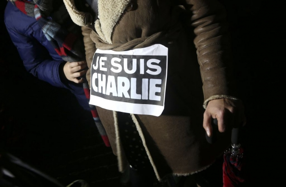 Protesta en silencio en París tras el atentado terrorista. Foto: Reuters