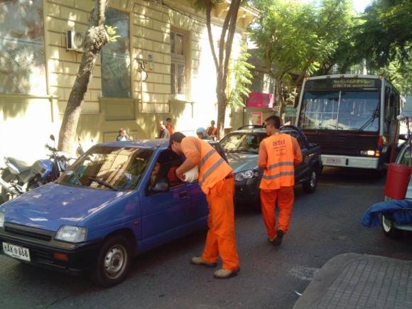 Sunca se movilizó en Salto por despidos en obras de fibra óptica. Foto: Facebook/ Sunca.