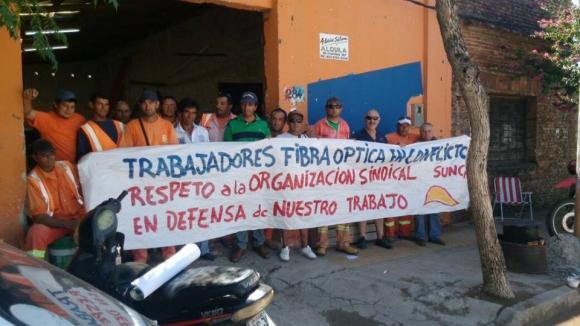 Sunca se movilizó en Tacuarembó por despidos en obras de fibra óptica. Foto: Facebook/ Sunca.