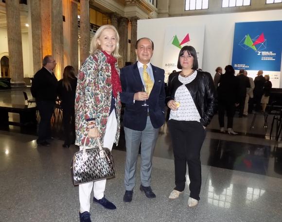 Natalie Scheck, Carlos Flores Santos, Diana Saravia.