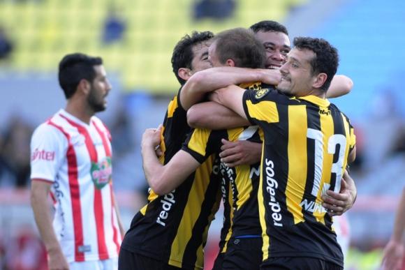 El festejo del gol de Valdez. Foto: F. Ponzetto