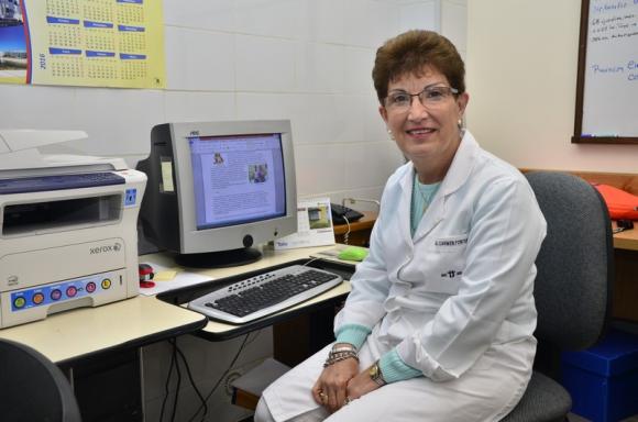 la médica internista María del Carmen Fontáns, encargada del área de estudio y capacitación en salud cardiovascular.