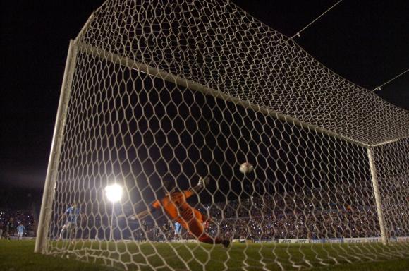 Nacional reaccionó a tiempo y se llevó la victoria. Foto: Marcelo Bonjour