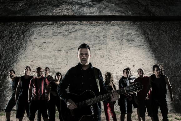 Tabaré Cardozo junto a su banda. Foto: prensa.