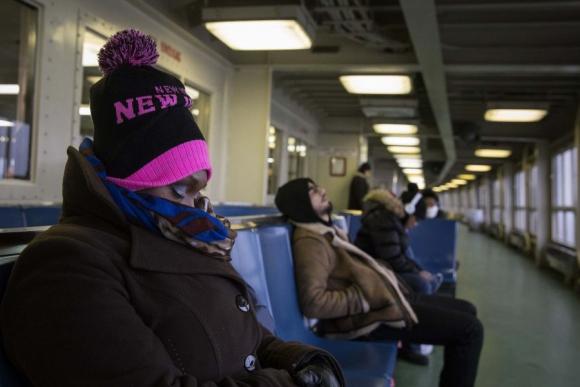 El Metro de NY fue cerrado por primera vez por nieve y varios pasajeros quedaron en las terminales. Foto: Reuters.