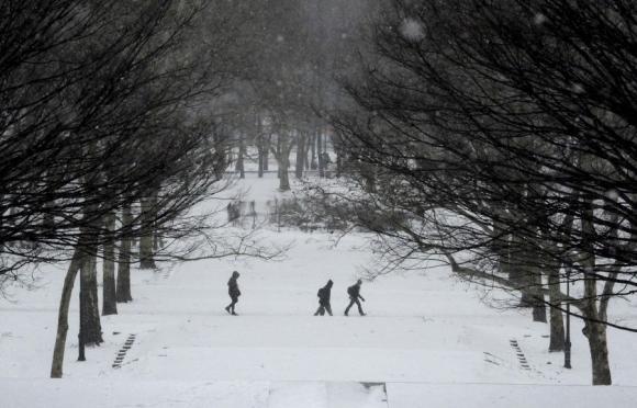 Peatones en el parque Fort Green. Foto: Reuters.