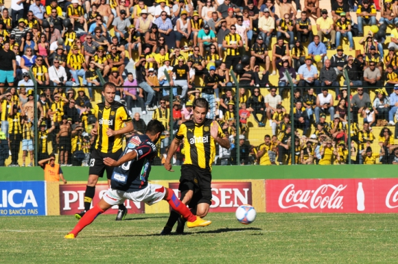 En Maldonado jugaron un intenso partido. Foto: F. Flores