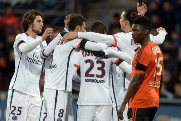 Los jugadores del PSG festejando el gol. Foto: AFP