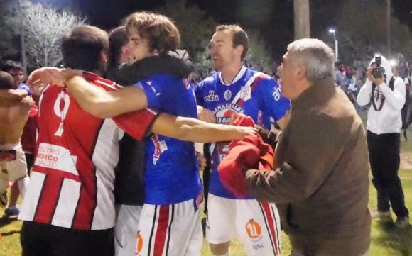 El festejo de los campeones. Foto: R. Figueredo